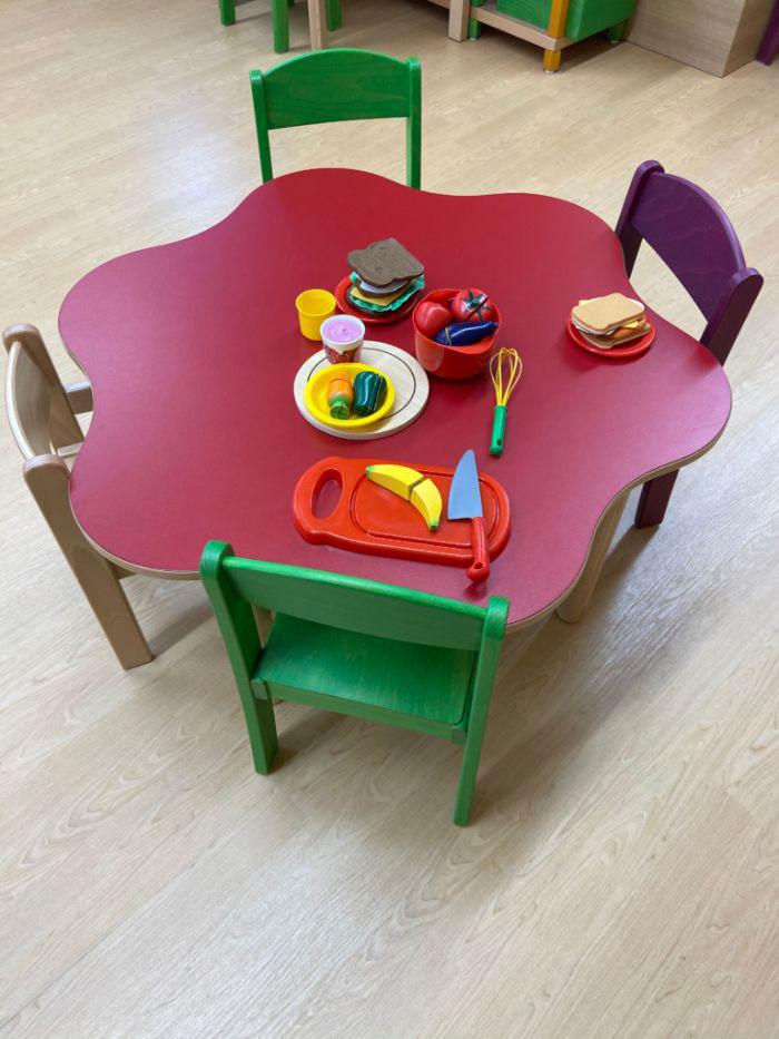 ガタゴト ままごと用のテーブル